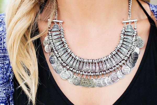 Komplet biżuterii pomysłem na prezent