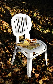 wygodne krzesło ogrodowe