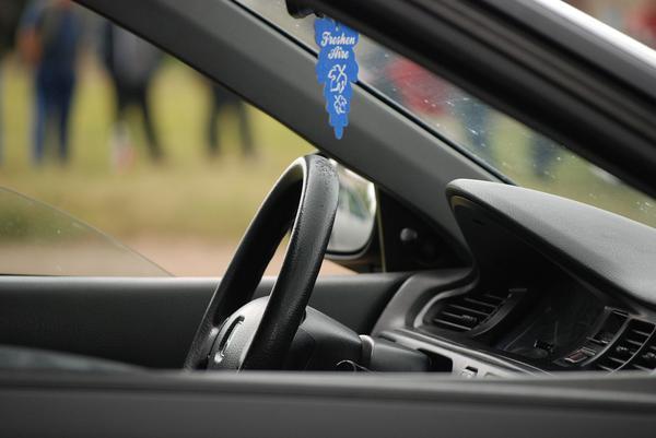 Posiadanie nowoczesnej kierownicy w samochodzie