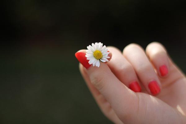 Ile kosztuje manicure hybrydowy?