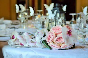 Ceny dekoracyjnych winietek ślubnych